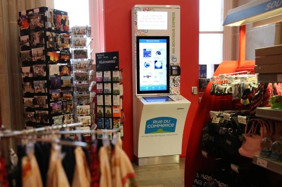 RueduCommerce descend dans les gares avec des bornes de shopping