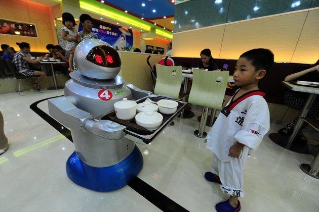 Un restaurant chinois servi par des robots