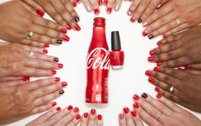 Se maquiller avec Coca Cola